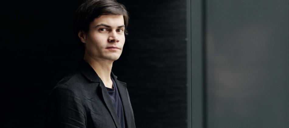 Lukas Lauermann, Portraitfoto © Andreas Jakwerth