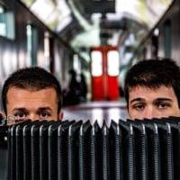 Dinovski-Schuberth, Bandfoto des Duos mit Akkordeon © Tijana Dinovski