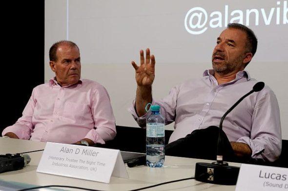 """Waves Vienna Conference 2019, Panel """"Agent of Change"""", Peter Dobcak, Alan D Miller (c) Manuel Fronhofer"""